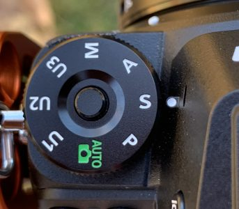 Camer dial set to shutter priority mode